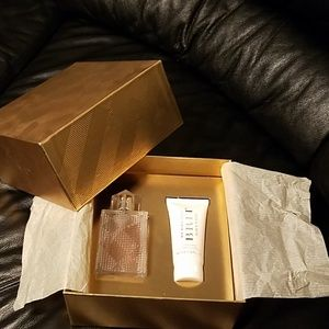 Burberry Cosmetic set in Box